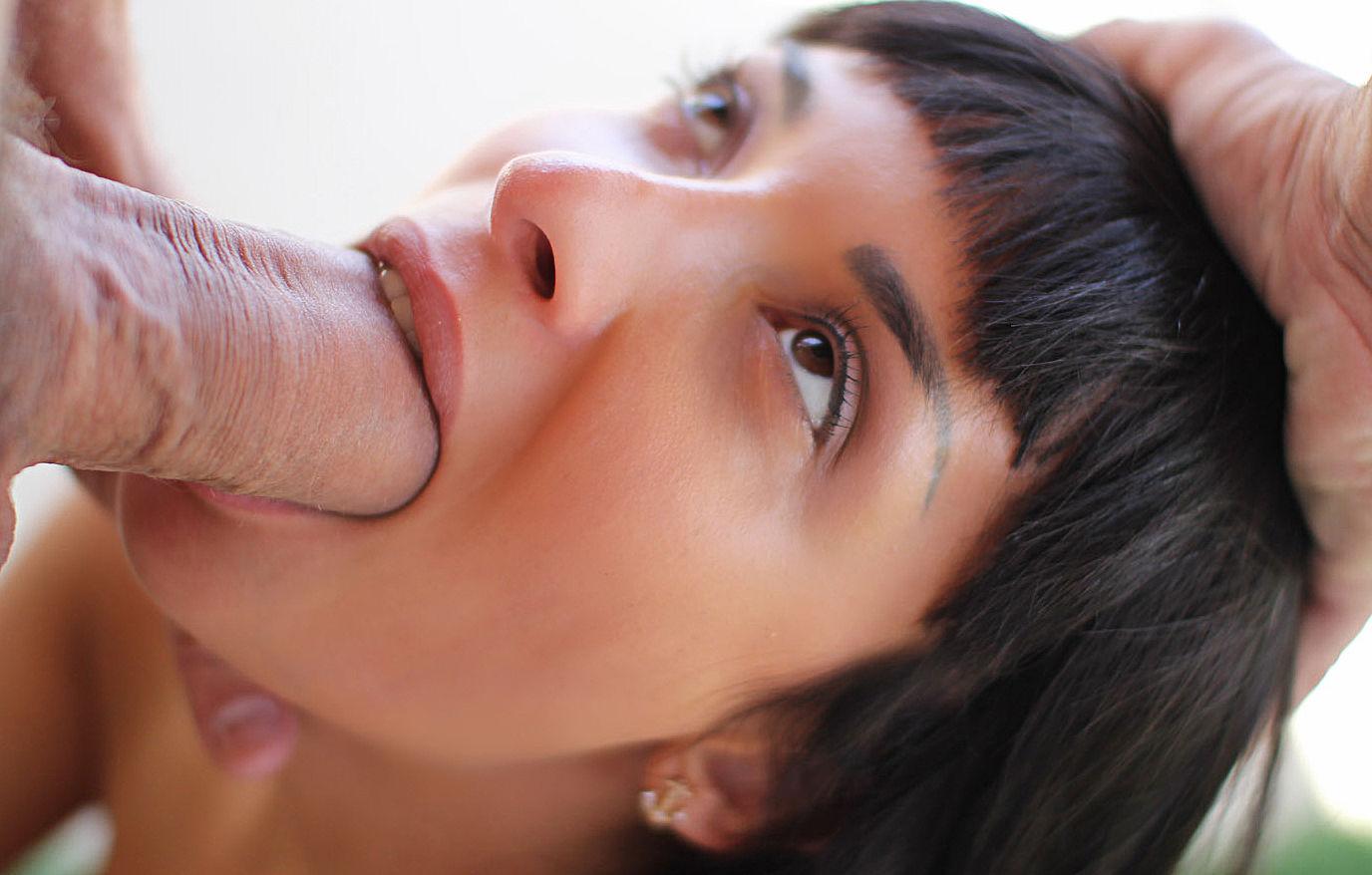 Члены минет крупным планом, Минет крупный план Vulgar Moms 3 фотография